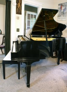 Knabe Baby Grand Ebony