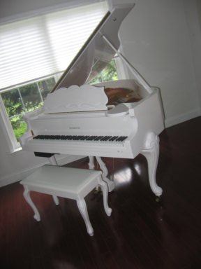 Piano For Sale – White Gloss Baby Grand Player Piano, Queen Anne ...