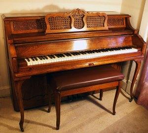 Cable Console Piano