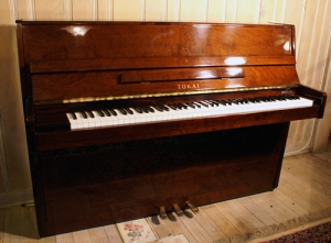 Tokai Console Piano