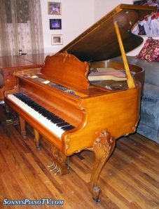Used Winter Art Case Piano