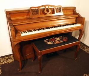 Knabe Console Piano