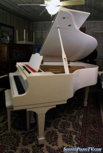 Schumann Gloss White Grand Piano