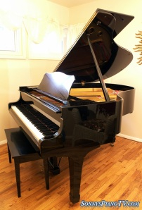 Yamaha Ebony Grand Piano