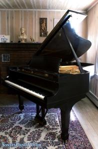 Steinway Piano Model B