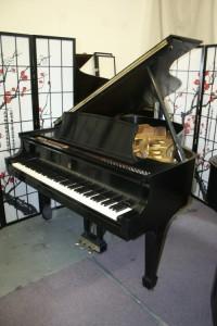 Steinway Grand Piano Model L  5'10.5' 1966