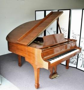 """Steinway M 5'7"""" Grand Piano Walnut 1945 Restored April 2013"""