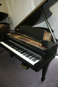 Steinway Grand Piano, Model M, Ebony Brand new finish