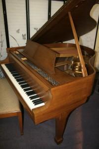 "Steinway Grand Piano  Model S  5'1"" 1962 Walnut"